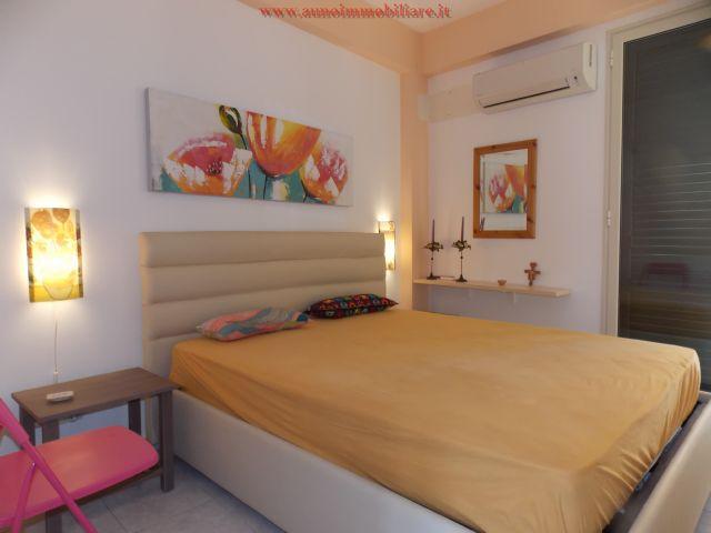 Appartamento arredato mare fondachello contratto annuale for Contratto affitto appartamento arredato
