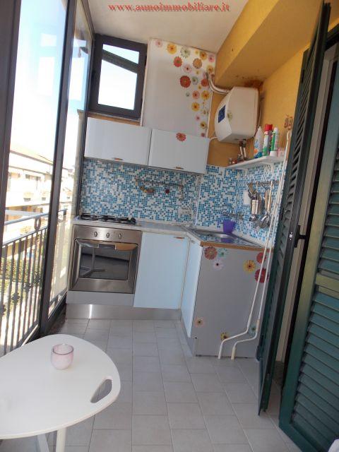 Appartamento arredato mare fondachello contratto annuale for Contratto di locazione immobile arredato